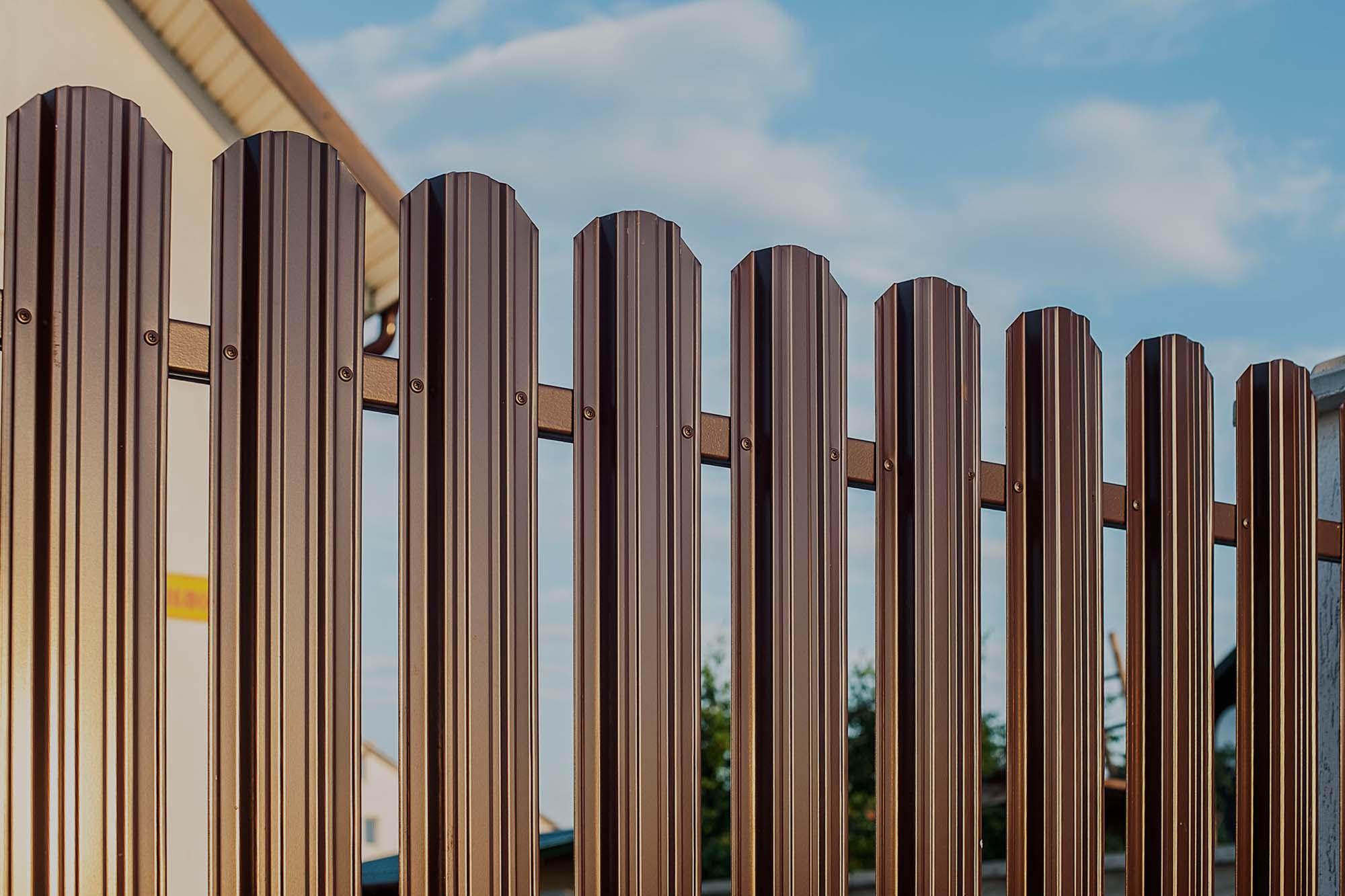 Забор из евроштакетника в Сочи