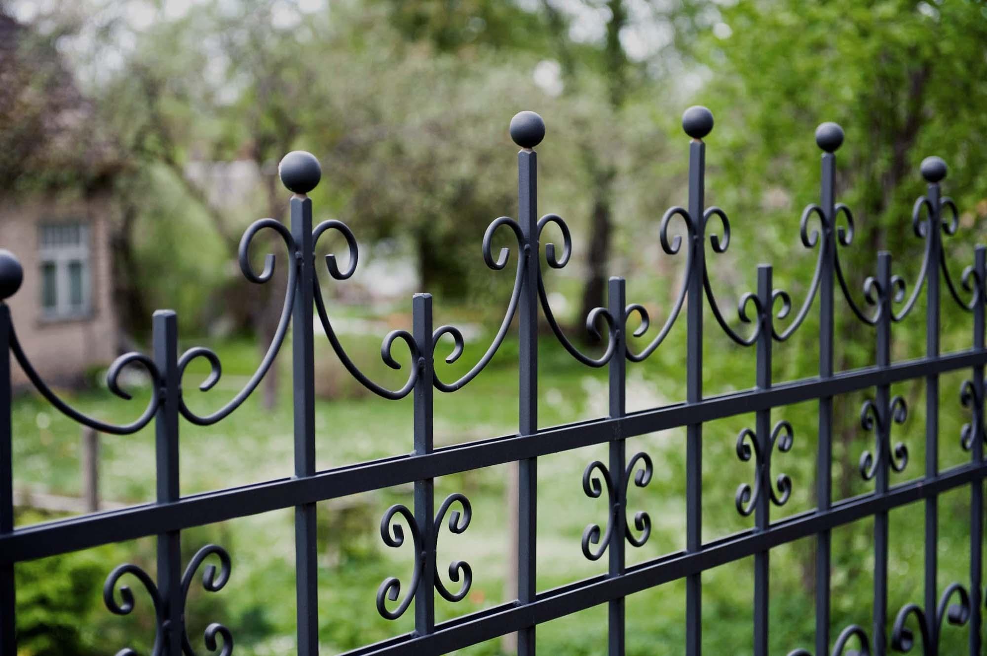 Кованый забор в сочи